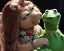 New Couple of the Day: Meet Denise, Kermit's New Lover
