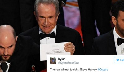 Internet Gets Broken By A Massive Fail at 89th Academy Awards That Resulted In La La Land Being Mistaken For Oscar Winner