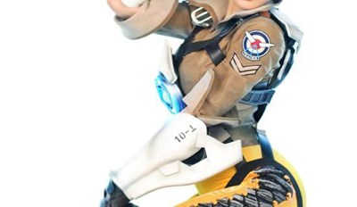 In Honor of Overwatch Dropping This Week, Here's the Best of the Overwatch Cosplay to Surface so Far