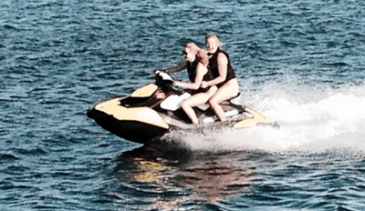 Squad Vacay of the Day: Jennifer Lawrence and Amy Shumer Hang Out and Ride Jet Skis Like It's Whatevs