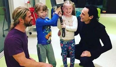 Chris Hemsworth and Tom Hiddleston Visit Children's Hospital In Australia