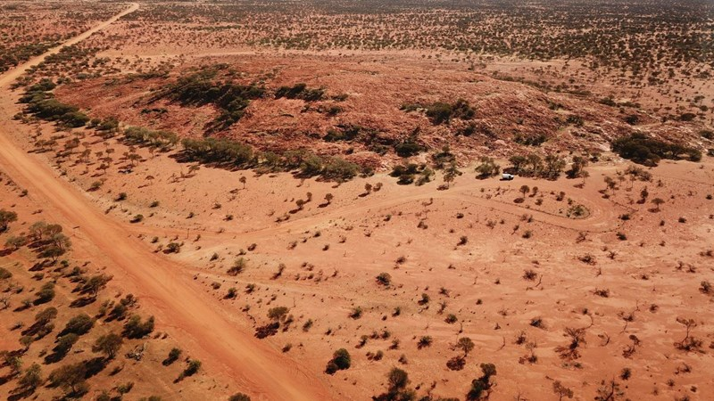scientists found the earth's oldest crater in australia
