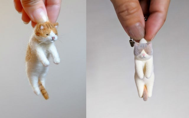 "Japanese Artist Creates Adorable ""Cats Picked Up By The Scruff Of Their Neck"" Figures 