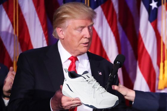 shoes donald trump - 1131269