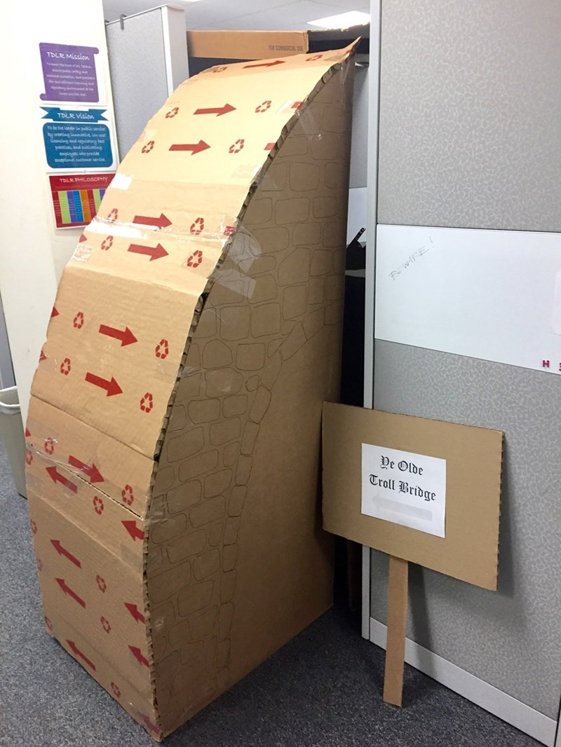 FAILS Office workplace trolls - 1448453