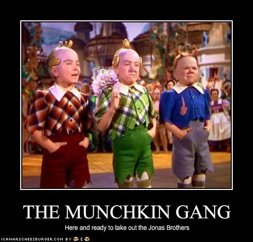 creepy munchkins the wizard of oz - 1609899264