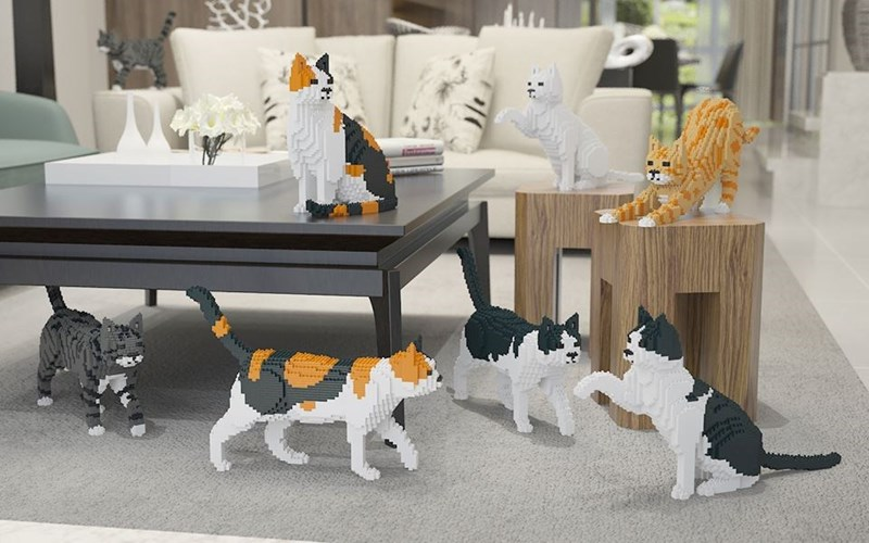 New Cat LEGO toys - cat sculptures comprised of just Lego pieces.