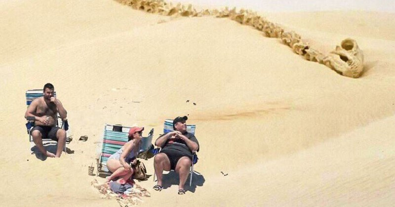 List of funny photoshop memes featuring New Jersey governor Chris Christie at the beach in various scenarios from movies, James Bond, Castaway, Planet of the Apes, the SOpranos, Twin Peaks, Beaches and STar Wars.