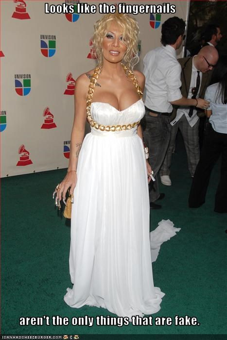 bewbs fake fingernails Ivy Queen red carpet - 2680598272