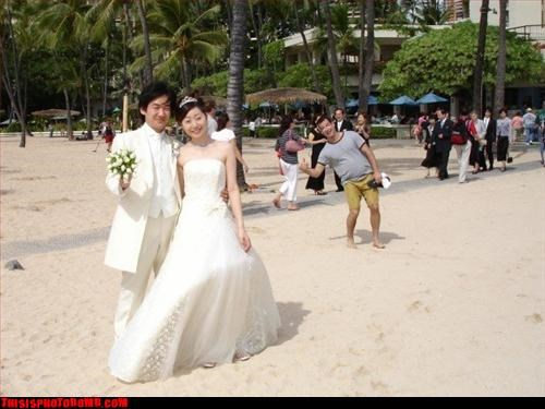 Awkward beach cool bro wedding WoW - 2987595264