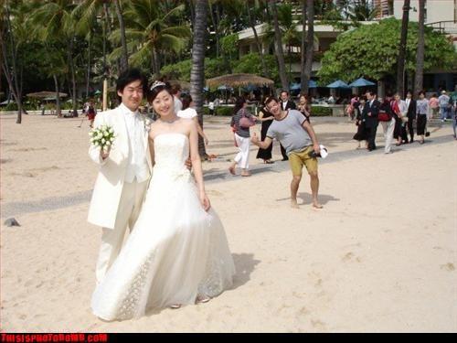 Awkward beach cool bro wedding WoW - 2987595264