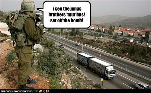 bomb,bus,the jonas brothers