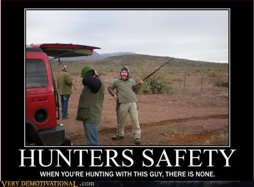 crazy guy guns hunter safety Terrifying wtf - 3010236672