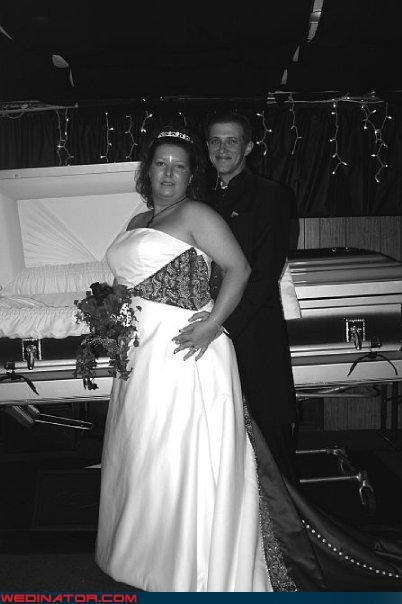 bw bride coffin fashion is my passion groom morbid wedding surprise till-death-do-us-do were-in-love Wedding Themes wtf - 3044384512