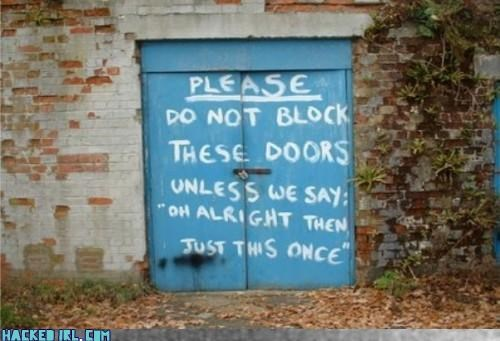 door graffiti no entry sign - 3170904576