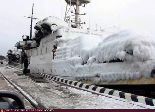 failboat freezing ice snow wtf - 3240720128