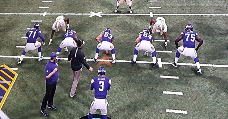 Collection of the best and most ridiculous glitches in the Madden '18 video game.