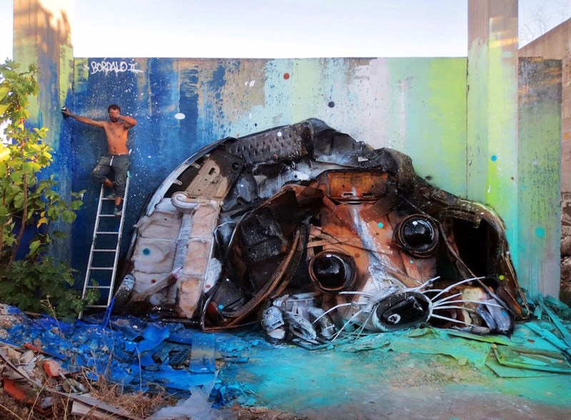 animal street art made of trash