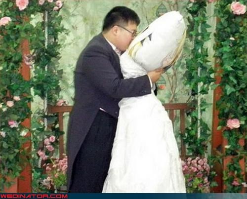 amusement park bride crazy groom eww Girlfriend Pillow man marries pillow Pillow People ridiculous surprise technical difficulties were-in-love Wedding Themes wtf