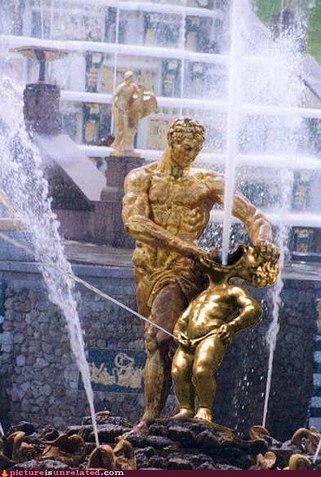 gold roman statues water wtf - 3332049152