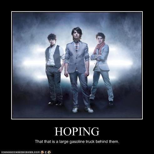 die gross music is dead the jonas brothers tween - 3441409792