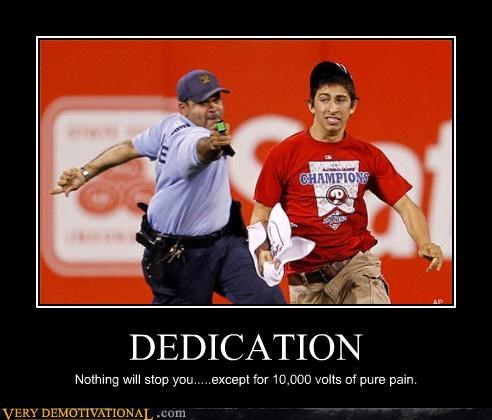cop rage dont taze me bro idiots sports sports fans tazer - 3488548352