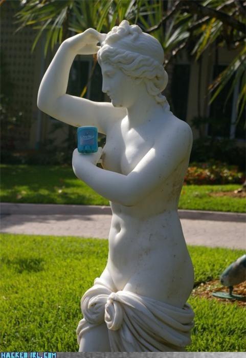 statue - 3509225472