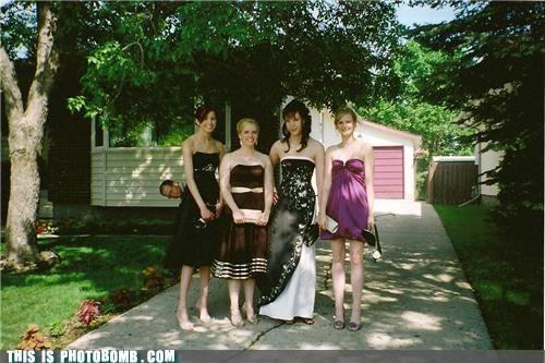 background Bombosaurus dressed up sideways women - 3517073920