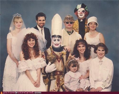clowns family scary wedding wtf - 3570731520