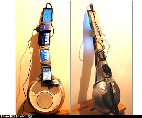 iPhone Maniac Play a Smartphone Guitar