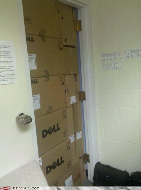 There is no office door ... only Dell.