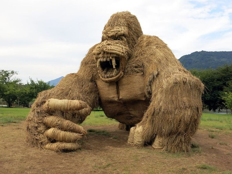 animals made of straw in Japan