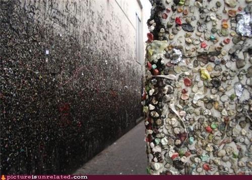gross gum OverKill 9000 walls wtf - 3678095872