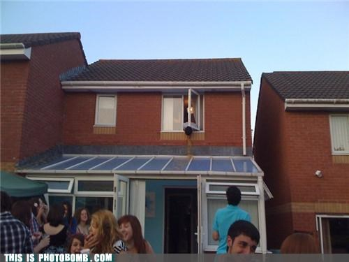 house Party street vombomb vomit - 3683776000