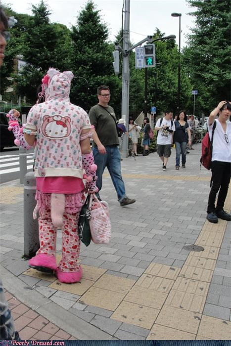full-time crazy hello kitty outsider fashion people in the lower right