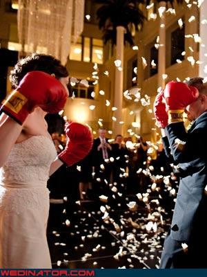 boxing match bride and groom fight confetti Crazy Brides crazy groom fashion is my passion funny wedding photos miscellaneous-oops put-em-up surprise tradition were-in-love wedding boxing match wedding Fight Club Wedding Themes wtf