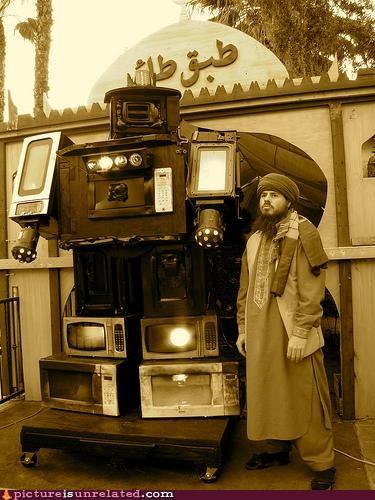 huge microwave OverKill 9000 robot wtf - 3729695232