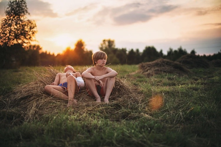 photos of kids during summer vacation with no computers