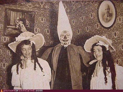 Awkward clowns creepy family wtf - 3796846848