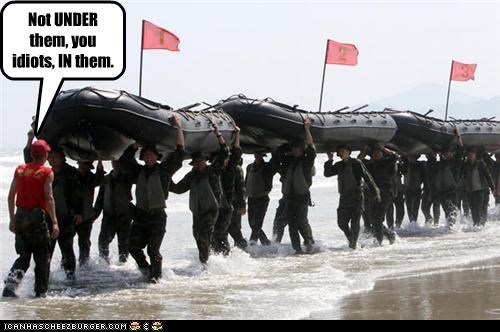 boat funny lolz soldiers water wtf - 3841399040