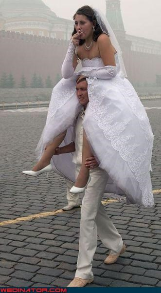 bride-rides-grooms-shoulders,Crazy Brides,crazy groom,fashion is my passion,funny wedding photos,groom transportation,helpful groom,hitching a ride,piggyback ride,smoking bride,technical difficulties,upskirt,were-in-love,wtf