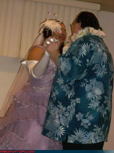 awesome wedding couple,Crazy Brides,crazy groom,crazy wedding outfit,fashion is my passion,Funny Wedding Photo,Hawaii,hawaiian shirt groom,judy jetson bride,miscellaneous-oops,orbit city,surprise,technical difficulties,were-in-love,Wedding Themes,wtf