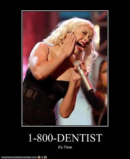 christina aguilera lolz pain singing teeth - 3889259264