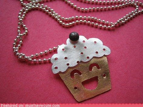 accessory,chain,cupcake,face,Jewelry,necklace,smile