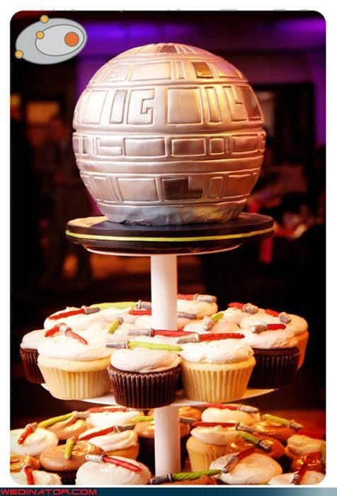 awesome wedding cake,Bling,death star wedding cake,Dreamcake,funny wedding photos,licoricesabers,light saber wedding cupcakes,sheer awesomeness wedding cake,star wars themed wedding,star wars themed wedding cake,star wars wedding,Wedding Themes