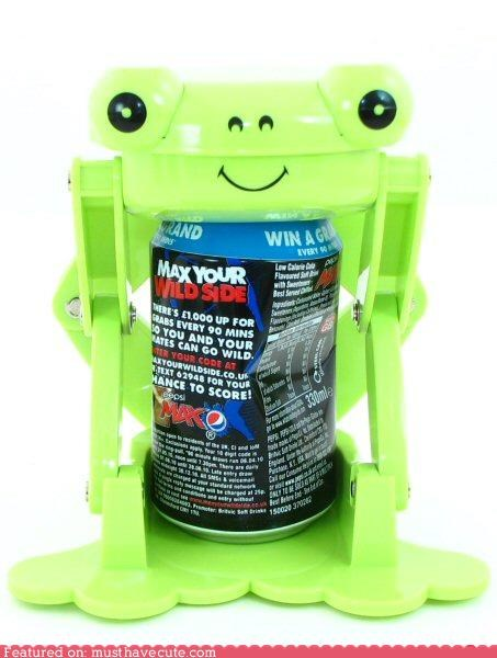 cans crush frog gadget green metal recycling - 3945267712