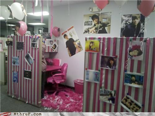 cubicle justin bieber office prank pink - 3951456768