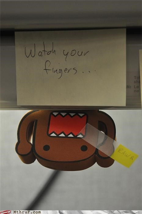 domo,fingers,notes,scary