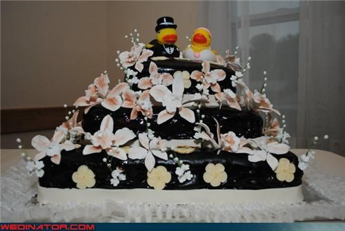 Dreamcake,funny cake picture,funny wedding photos,rubber ducky bride and groom,rubber ducky cake toppers,wedding cake,wedding cake toppers,Wedding Themes,weird wedding cake,wtf,wtf is this