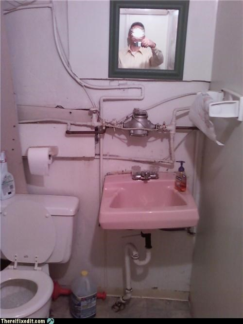 bathroom,Kludge,pipes,plumbing